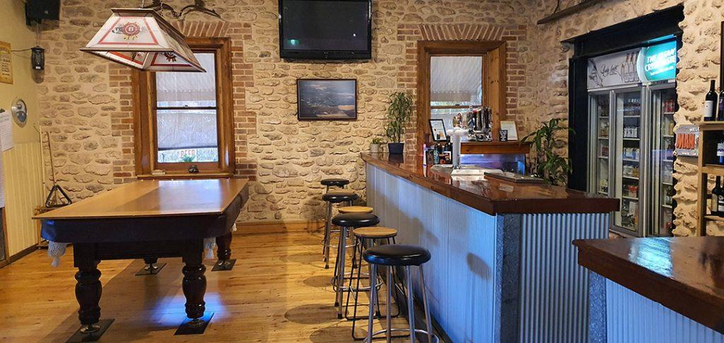 Gungellan Hotel Bar